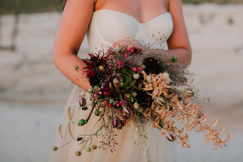 Asymmetrical bouquet with dry and fresh flowers